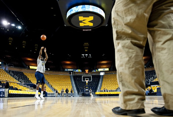 Michigan junior Tim Hardaway Jr. warms up before the game against Penn State on Sunday, Feb. 17. Daniel Brenner I AnnArbor.com